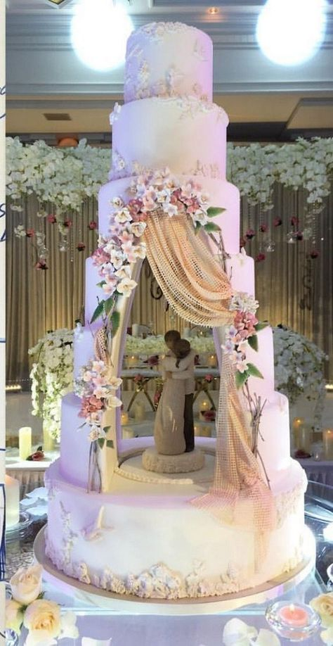 World Class Weddings cake1 Confectionately Yours!