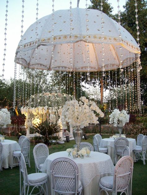 World Class Weddings luxury-tent2 Fit For A Princess!