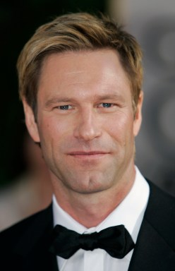"""Aaron Eckhart, nominated for best actor in a musical or comedy for his work in """"Thank You for Smoking,"""" arrives for the 64th Annual Golden Globe Awards on Monday, Jan. 15, 2007, in Beverly Hills, Calif. (AP Photo/Mark J. Terrill)"""