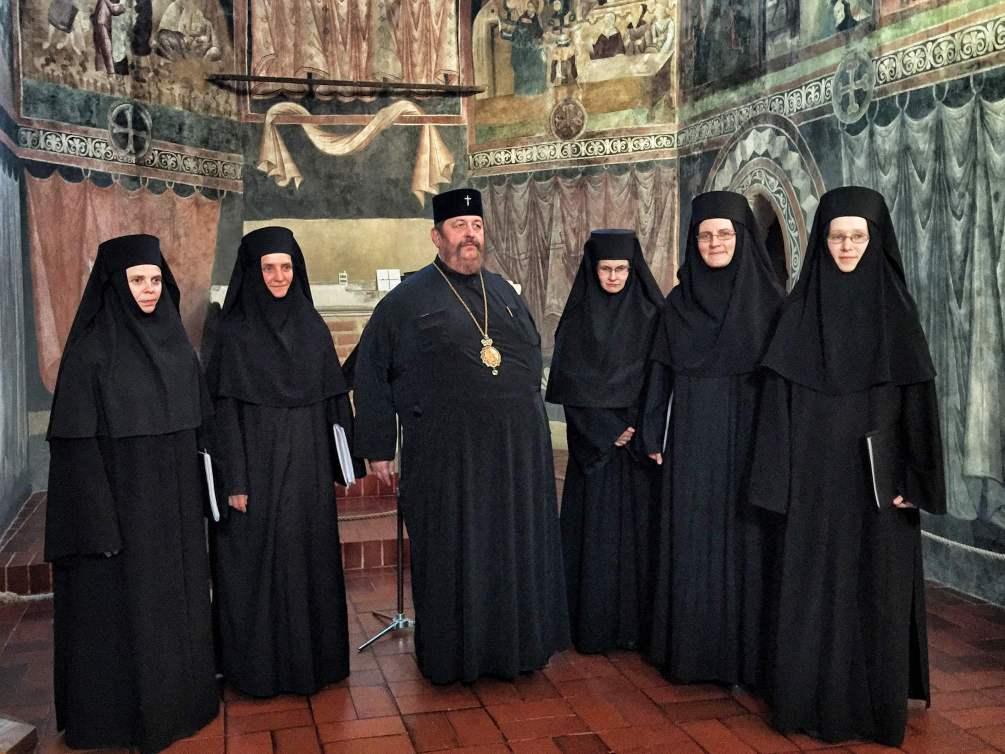 JE Władyka Abel i Siostry z turkowickiego monasteru w Kaplicy Zamkowej