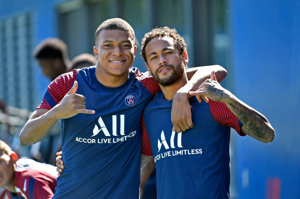 PSG set to step up contract talks for Neymar and Mbappe