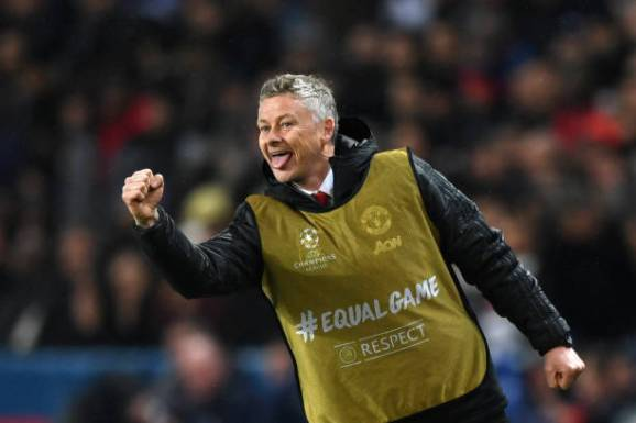 PARIS, FRANCE - MARCH 06:  Ole Gunnar Solskjaer, Manager of Manchester United celebrates his side second goal during the UEFA Champions League Round of 16 Second Leg match between Paris Saint-Germain and Manchester United at Parc des Princes on March 06, 2019 in Paris, . (Photo by Shaun Botterill/Getty Images)