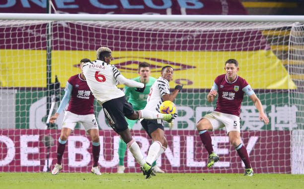 Burnley 0-1 Manchester United: Pogba sends United top of the log