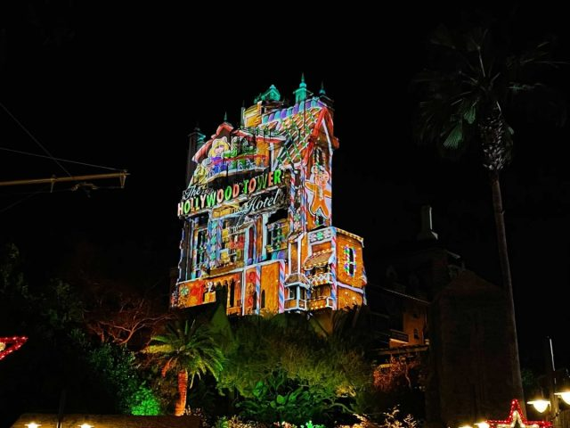 hollywood-holiday-tower-hotel-projections-2020_2