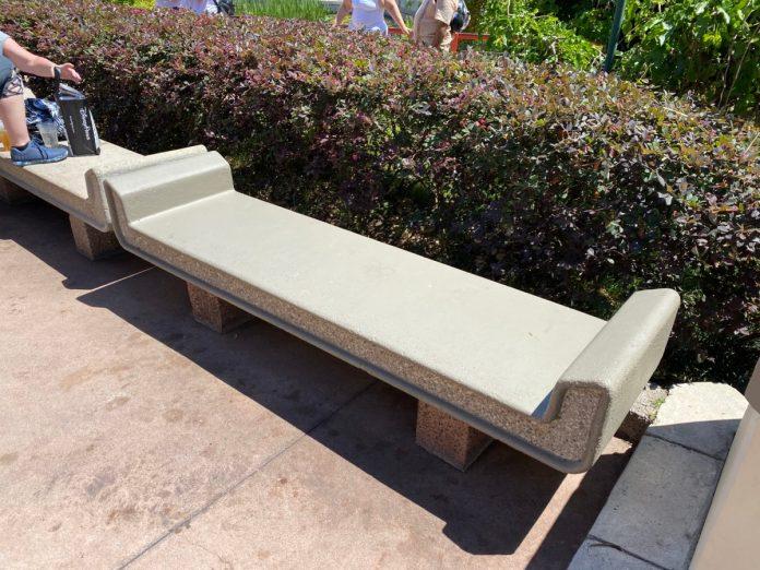 bench-painting-porcelain-pavilion-epcot-04132021-2400840