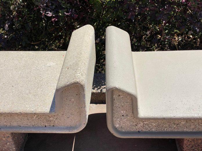 bench-painting-comparison-china-pavilion-epcot-04132021-2547063