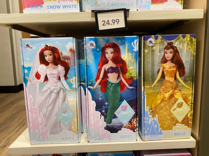 downtown-disney-district-plastic-free-packaging-classic-dolls-10-5004163