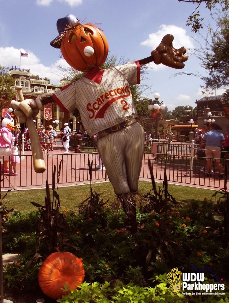 Sunday Photo Story Pumpkin Scarecrows On Main Street USA