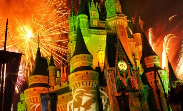 "Walt Disney World To Live Stream ""Mickey's Boo To You Parade"" & ""Happy HalloWishes Fireworks"" September 18"