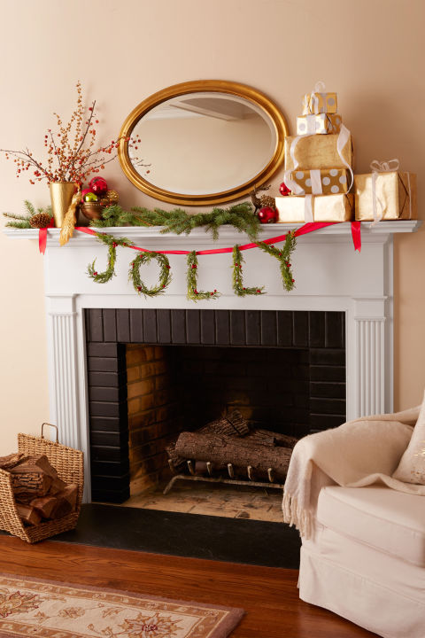 Handcrafted from artificial greenery and bright berries, this garland will last season after season. 1. Use needle-nose pliers to bend ⅛