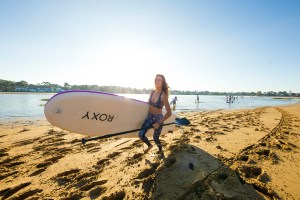 justine-mauvin-sup-course-roxy-fitness-hossegor-2017-guillaume-arrieta-we-creative