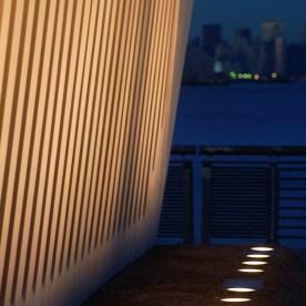 ETC100 LED: Staten Island Memorial, New York (USA)Architect: Masayuki Sono, New York.Co-operate Lapshan FongArtist: Toshihiko OkaLighting design: Fisher Marantz Stone, New YorkPhoto: Frieder Blickle, Hamburg