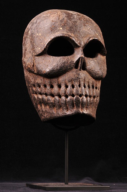 0Tibetan-carved-wooden-mask-19th-century.jpg