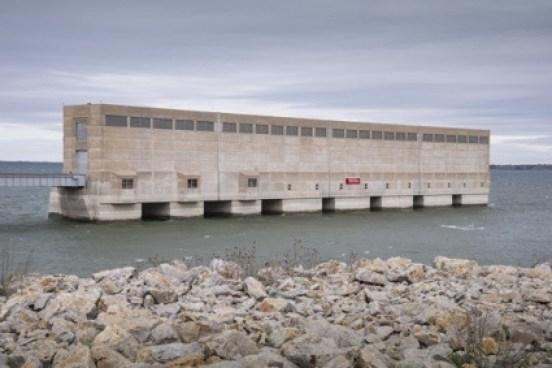 0_Gina_Glover_Garrison-Dam-Intake-System_Lake-Sakakawea_North-Dakota_USA-552x368.jpg