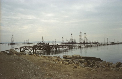 0oilfield_sea_500px.jpg