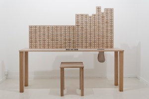MENACE 2, an artificial intelligence made of wooden drawers and coloured beads