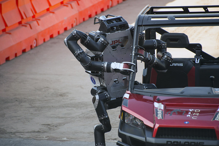 DARPA Robotics Challenge Pomona Fairplex 06-June-2015 Photographer: J. Krohn Requester: Brett Kennedy