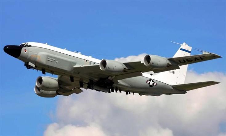 самолет США RC-135U