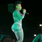 Yemi Alade apologises for her 'table shaking' Tweet