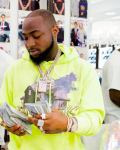 """Don't Copy My Ring""- Davido Says, As he Flaunts Bunch Of Dollar Bills, Acquires Diamond Ring (Video)"