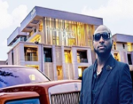 Davido Shows his New house in Banana Island (Video)