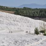 Белоснежные склоны Памуккале