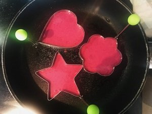 beetroot pancakes baby led weaning first foods finger foods