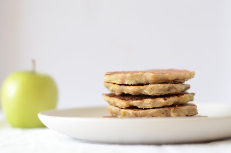 apple and banana pancakes