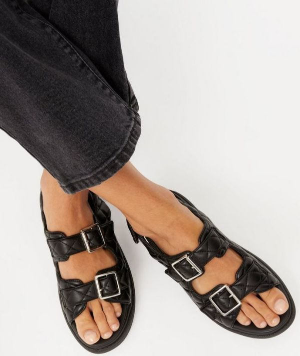 best chunky sandals 2021: new look black quilted chunky footbed sandals