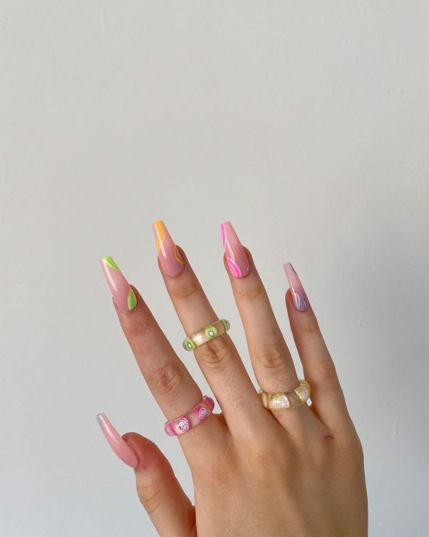katiesgarms wearing resin rings