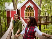 Mohican-Cabins-and-Treehouses-Couple