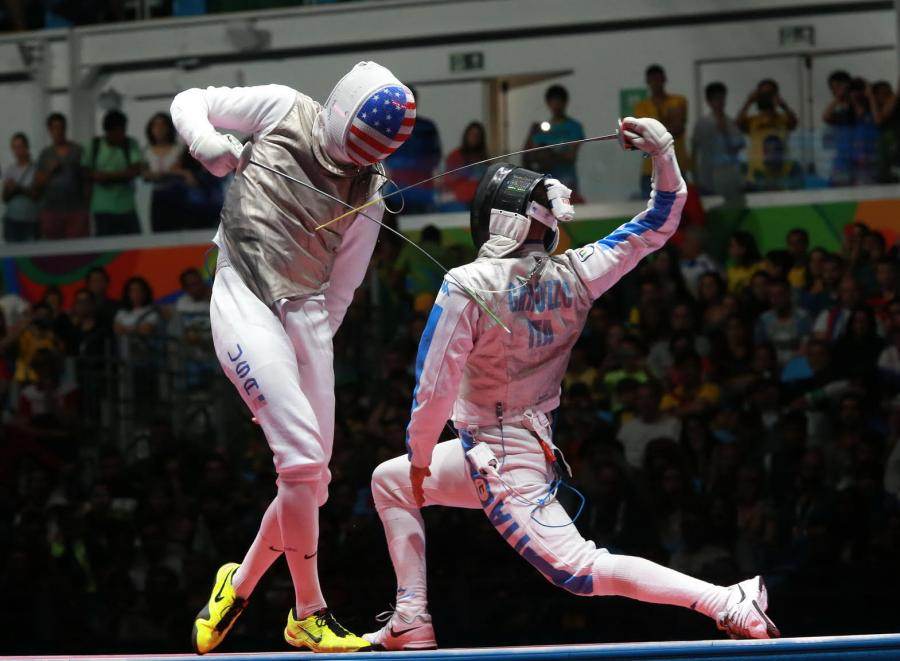 Alexander Massialas fenced Daniele Garozzo (ITA) in the gold medal final. Photo Credit: Serge Timacheff / FIE / FencingPhotos.com