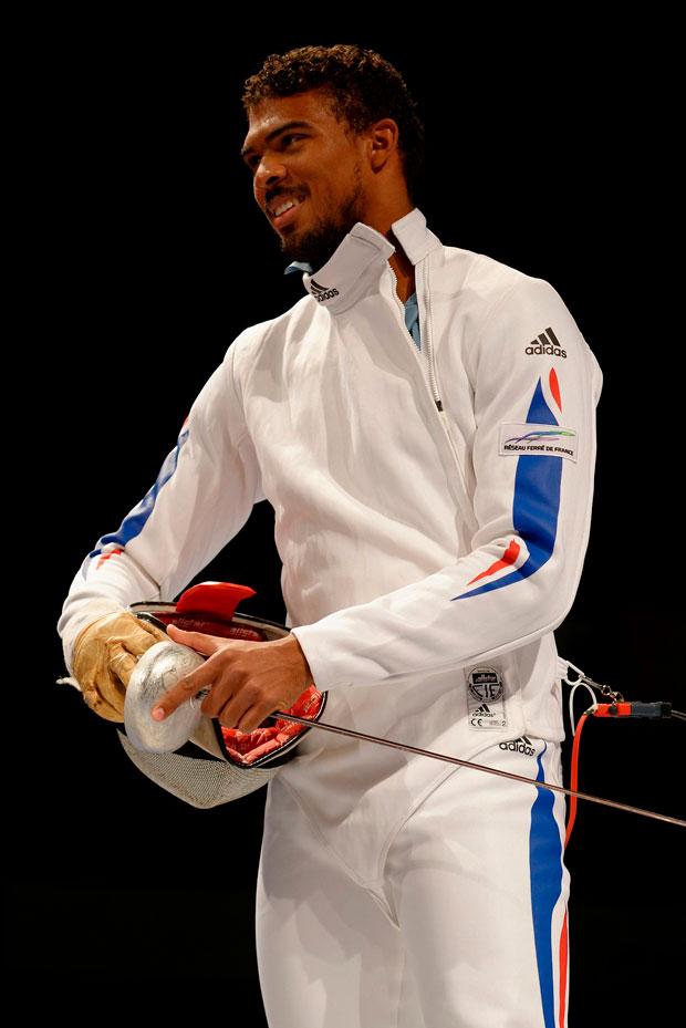 Yannick Borel en un traje de Adidas de esgrima