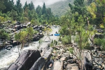 Packrafting The Shoalhaven River // Morton NP (NSW), Henry Brydon, rocks, water, floaty, pine trees