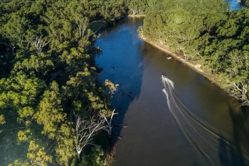 deniliquin river wakeboarding