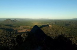 The 7 Peaks Challenge // Glass House Mountains, Benjamin Wiesner, South East Queensland, University of Queensland Mountain Club, climbing, pyramid, sunset
