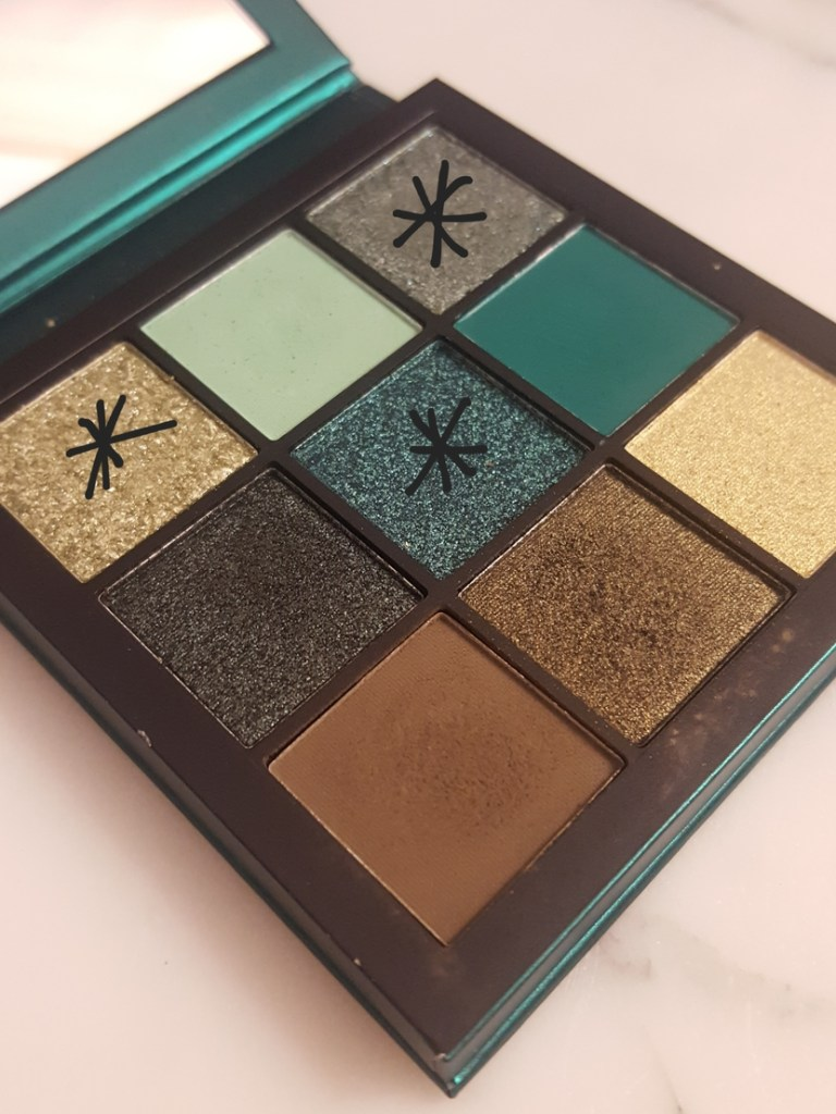 Huda Beauty Emerald Obsessions Palette (glitter shades highlighted)