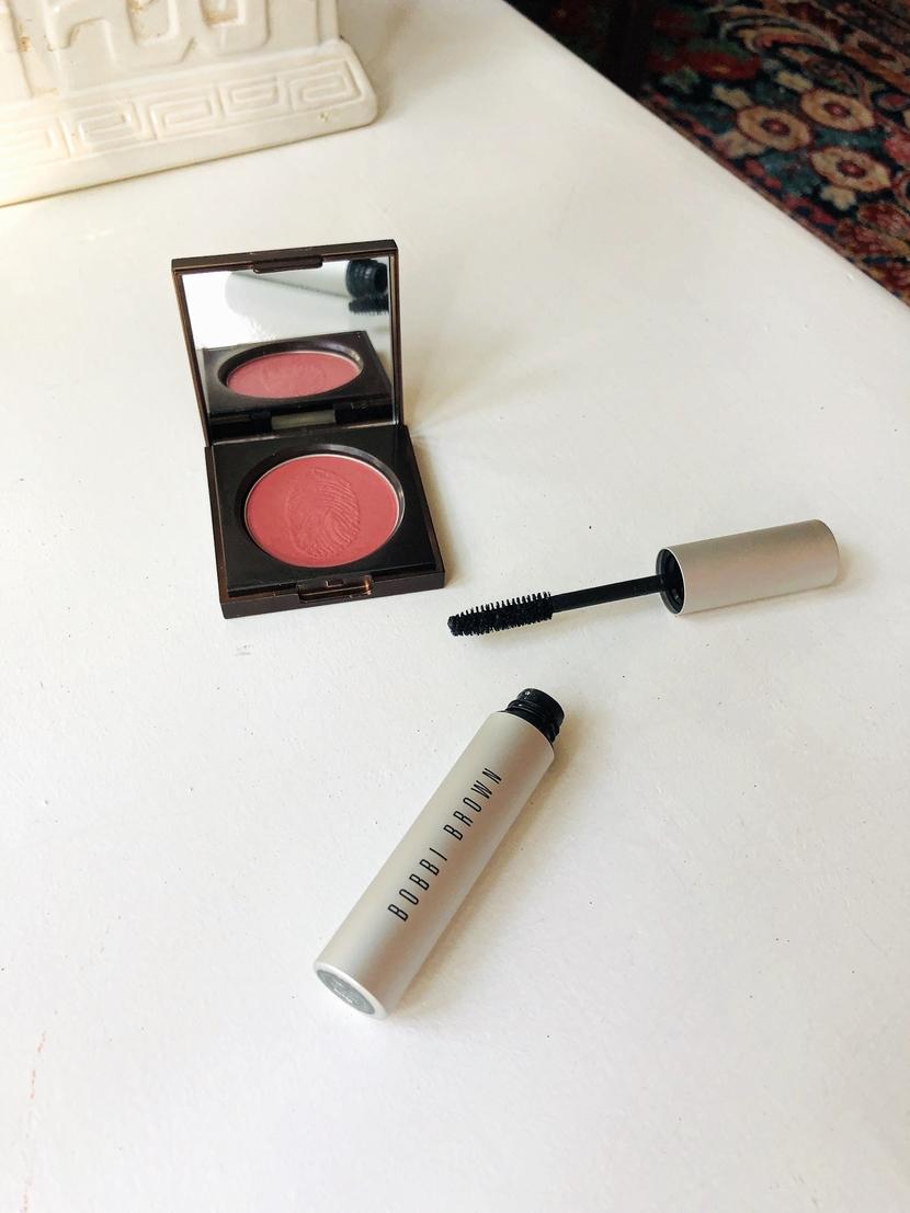 Flesh Tender Flesh Blush in Pulse, posed with Bobbi Brown Smokey Eyes Mascara - tips for quick makeup
