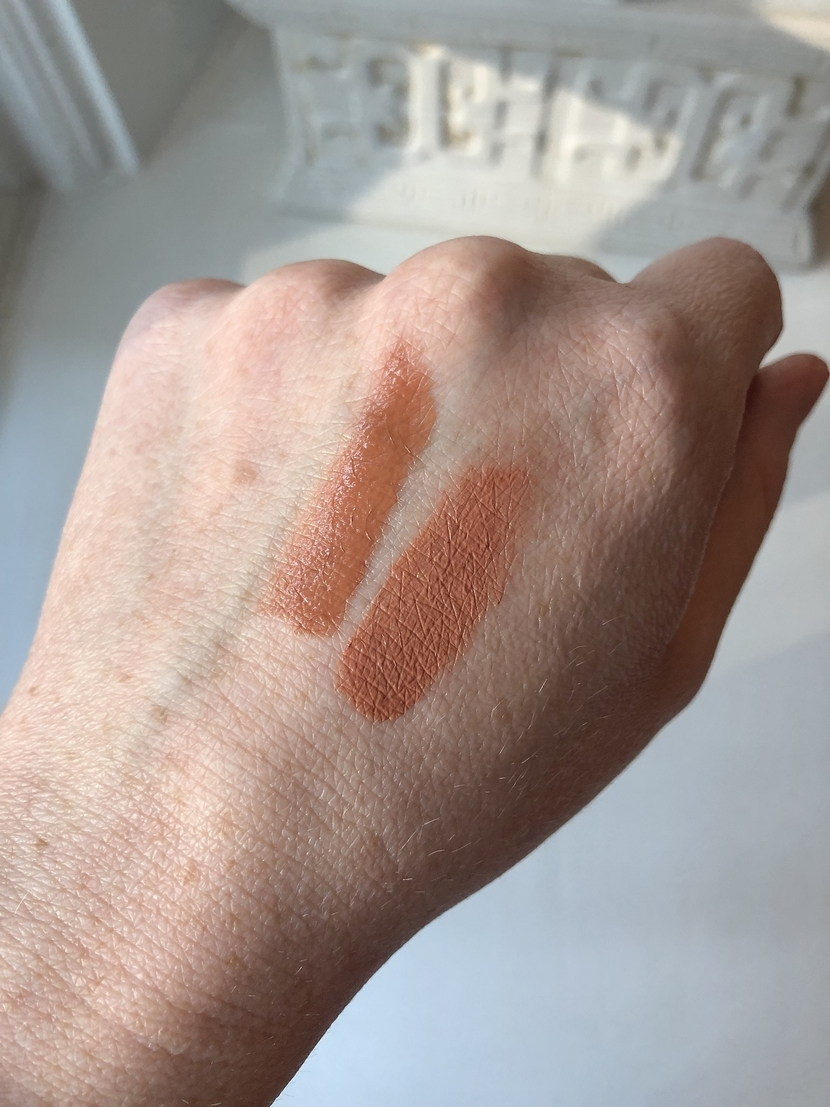 Swatches of Flower Beauty Blush Bomb in Cinnamon (left), and Glossier Cloud Paint in Dusk (right)