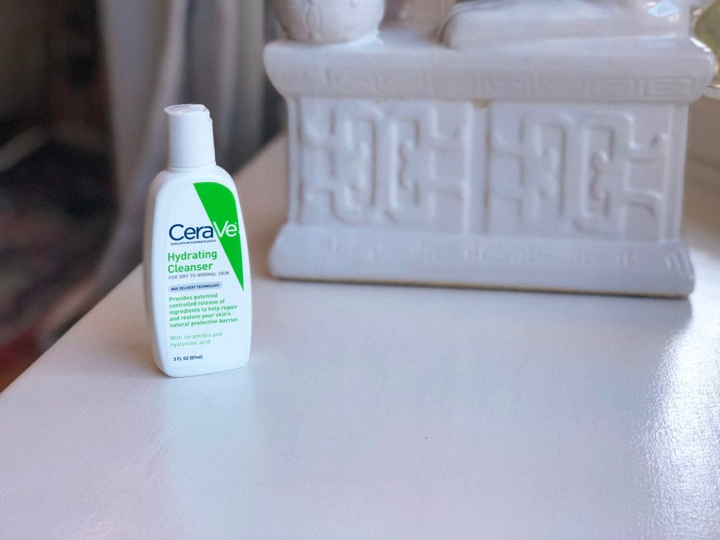 Portrait of CeraVe Hydrating Cleanser (mini bottle)