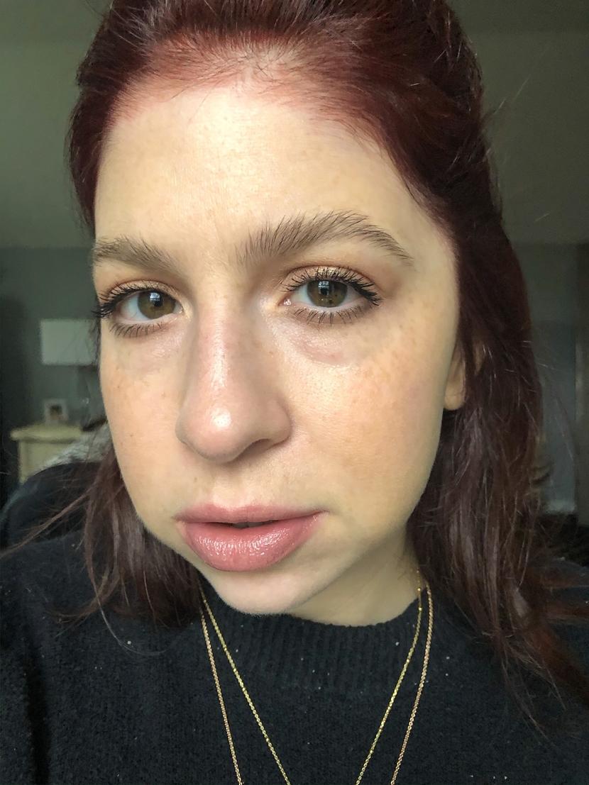 Makeup look using natural, lengthening and volumizing mascara