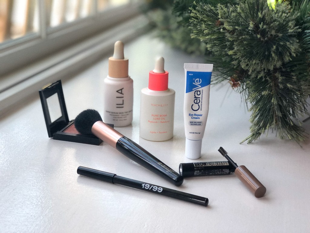 Some of my favorite beauty products of 2020, including blush, tools, eyeliner, brow gel, foundation, oil & eye cream