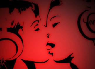 Headphones-Girls-Kisses, nouvelles lesbiennes érotiques