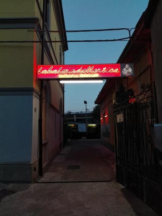 L'ingresso della Balera dell'Ortica a Milano