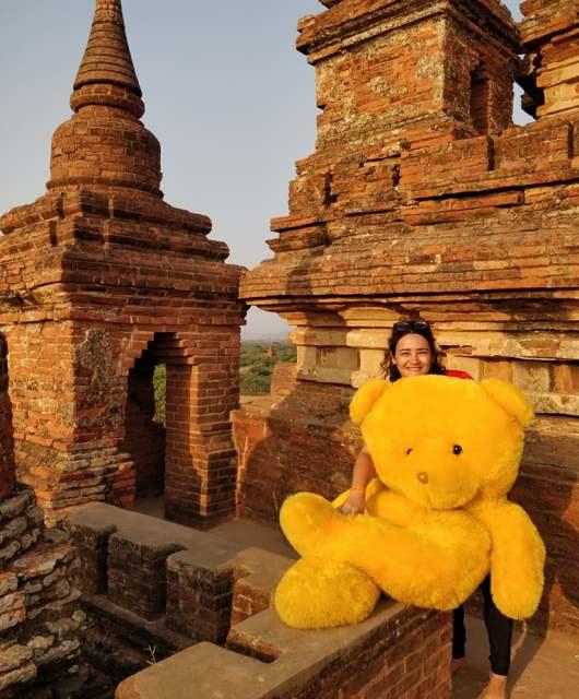 Incontri del terzo tipo a Bagan, lui è @Boekethebear e lo potete seguire su Instagram