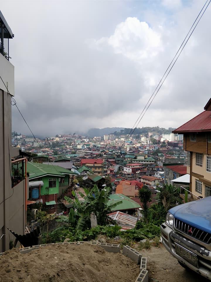 Vista su uno delle valli di Baguio nelle Filippine