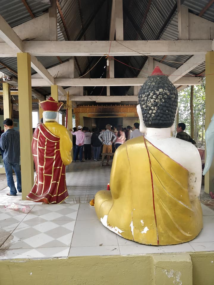 funerale buddista sulla strada tra Chau Doc e Can Tho