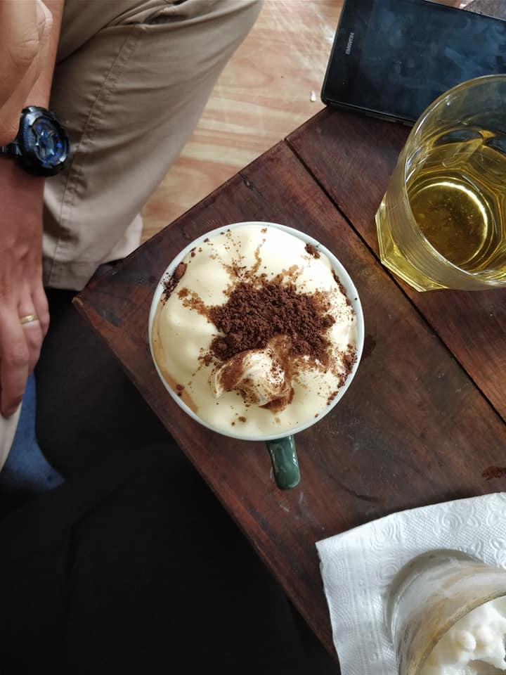 Egg Cocoa Coffee da Aroma, la nostra casa ad Hanoi praticamente