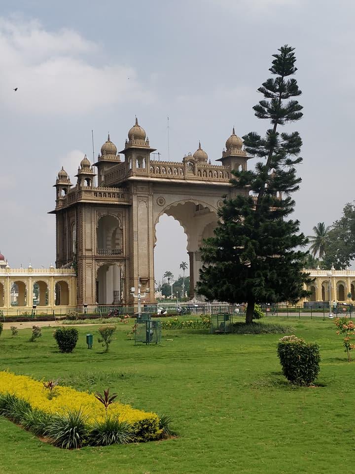 Mysore Palace, ingressi sobri