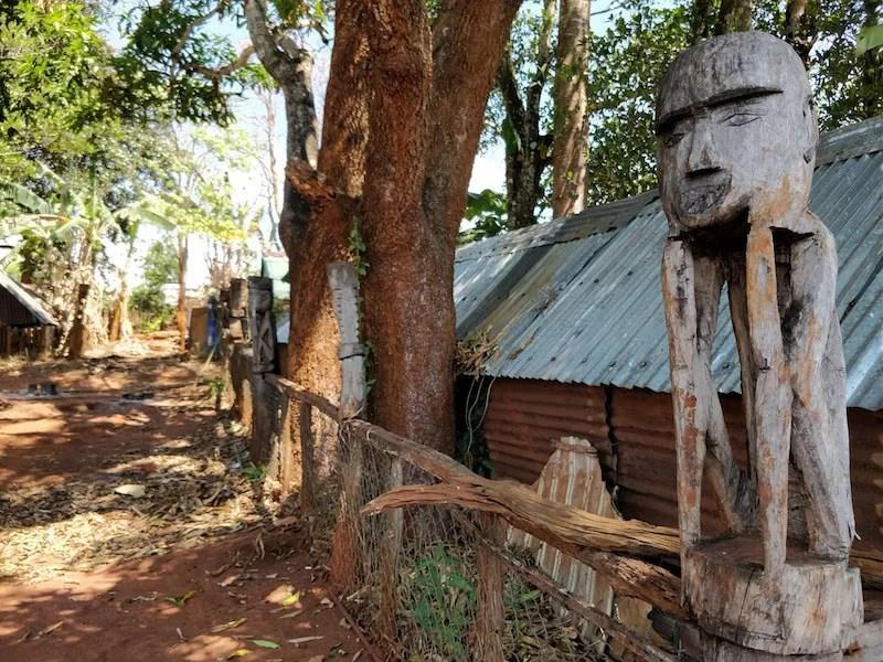 Cimitero Kon Tum